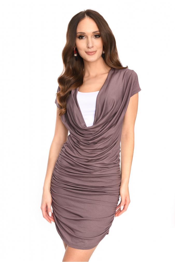 Dlouhé šaty s řasením a krátkým rukávem barva kapučíno L/XL
