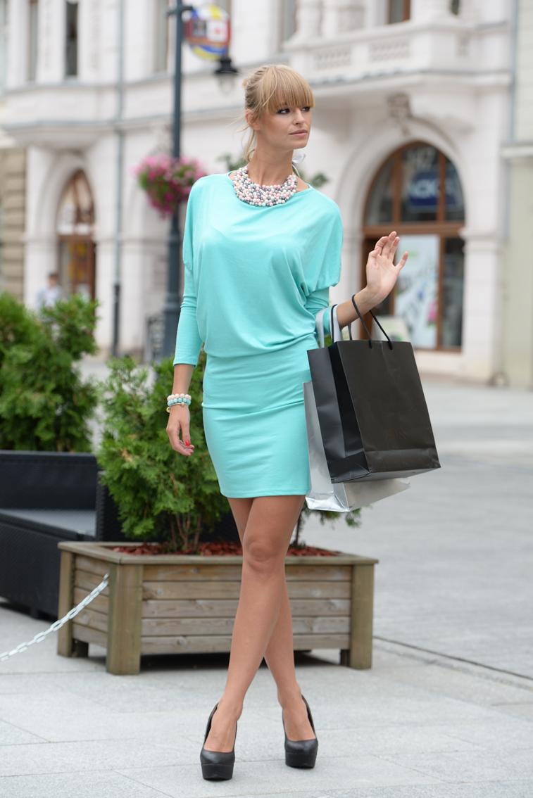 Šaty s netopýřími rukávy barva mátová