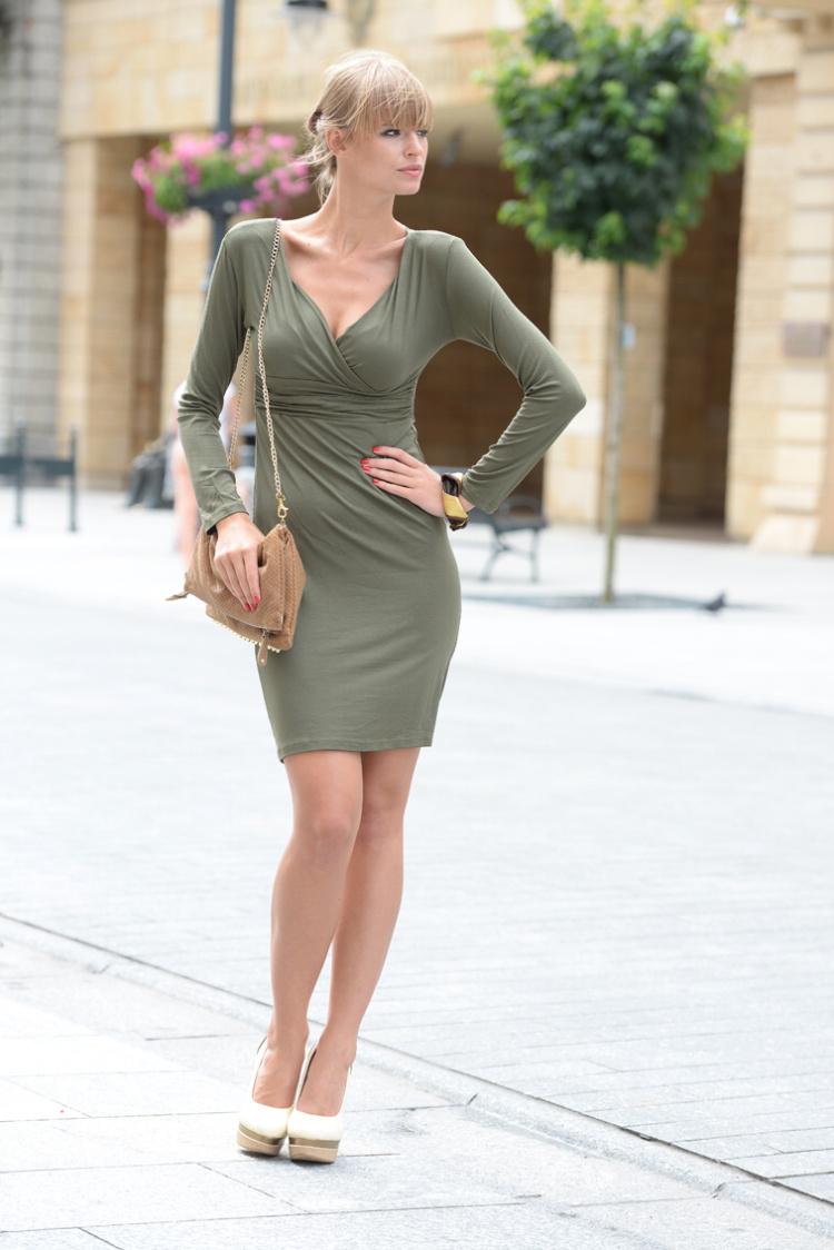 Šaty s dlouhým rukávem a véčkovým dekoltem barva khaki L/XL