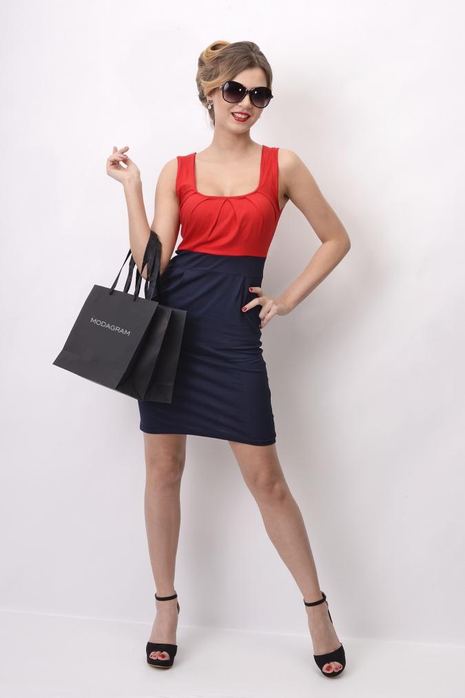 Šaty bez rukávů a řasením v dekoltu a bocích barva červená/granátová L/XL