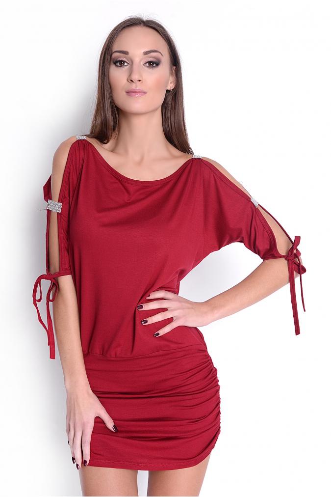 Krátké šaty s mašličkou a flitry na rukávech barva bordó