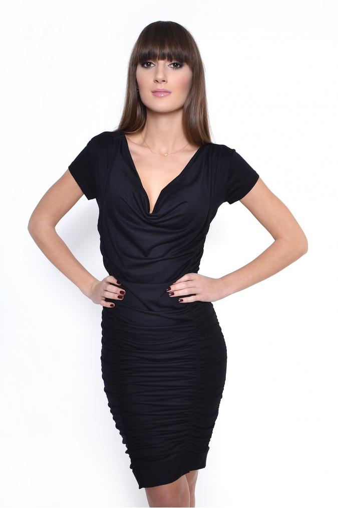 Černé řasené šaty XL