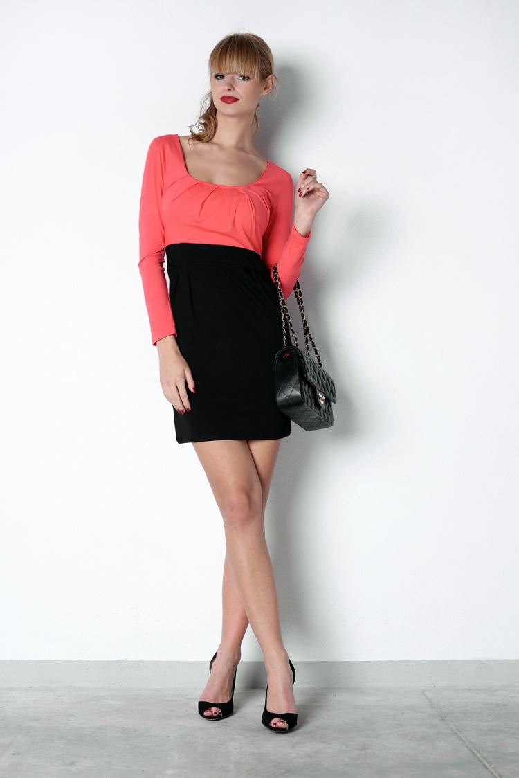 Šaty s dlouhým rukávem a řasením v dekoltu a bocích barva korálová/černá XL