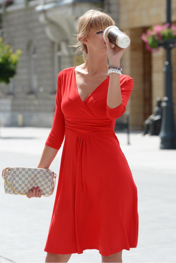 Delší vycházkové šaty s tříčtvrtečním rukávem barva červená